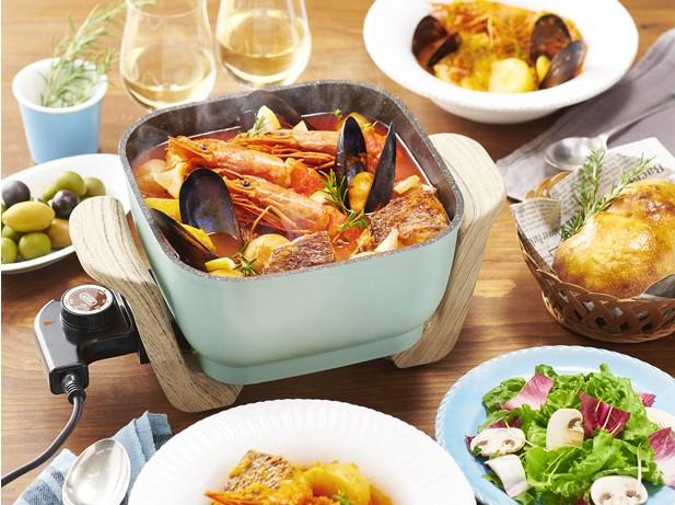 焼き物・蒸し物・揚げ物も。テーブル上で映える、Toffyの卓上電気鍋がいい感じ