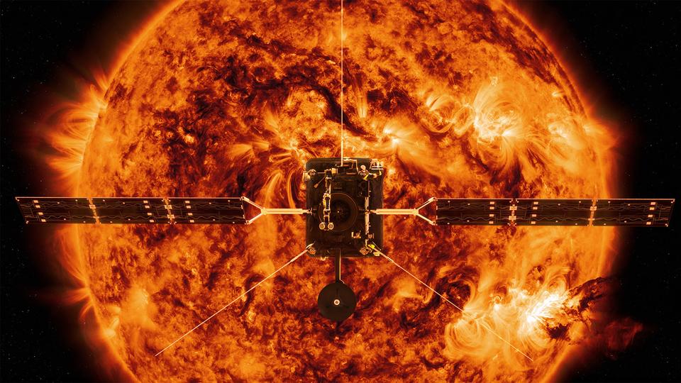 太陽の謎に迫る!ソーラーオービターが本格的な調査を開始