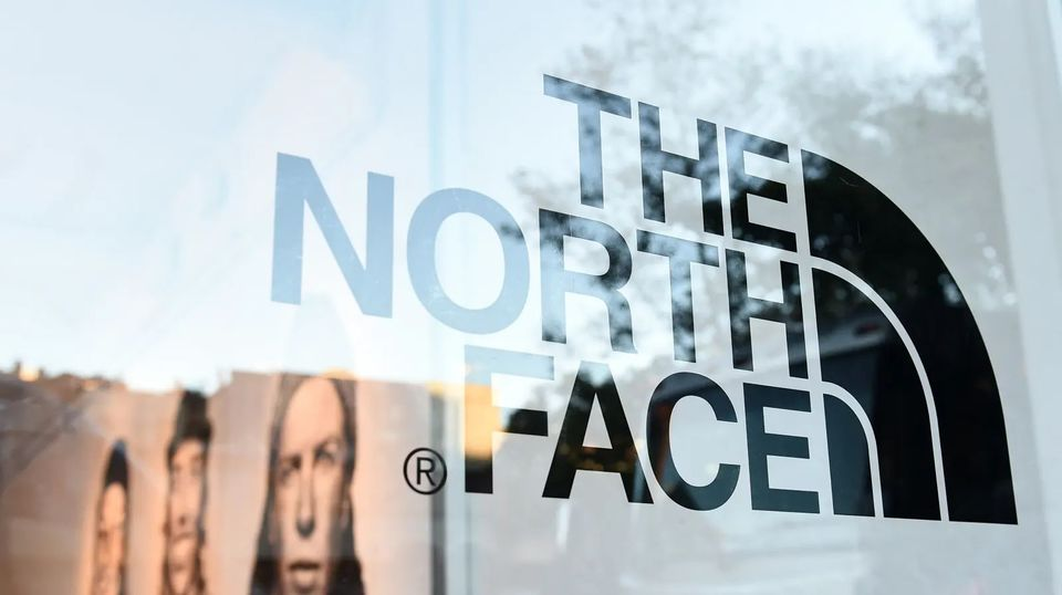ザ・ノース・フェイスが石油業界とバトル中。それが他人事じゃない理由