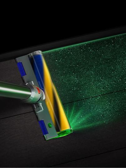 SFガジェット感が凄い。レーザー照射でホコリを見つけLCD画面で結果を表示する「Dyson V15 Detect」