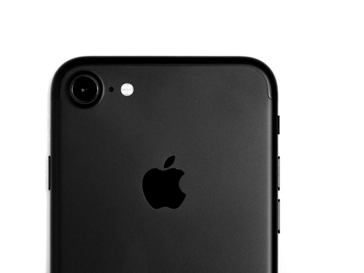 iPhone 13(仮)ではマットブラックが復活して、カメラのポートレート撮影も性能向上?