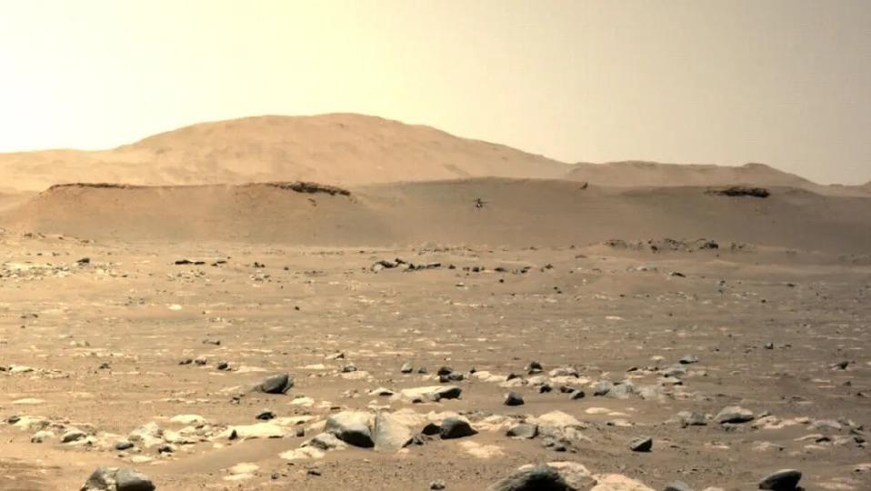 火星ヘリコプター「インジェニュイティ」、3度目のフライトで長距離の水平移動に成功