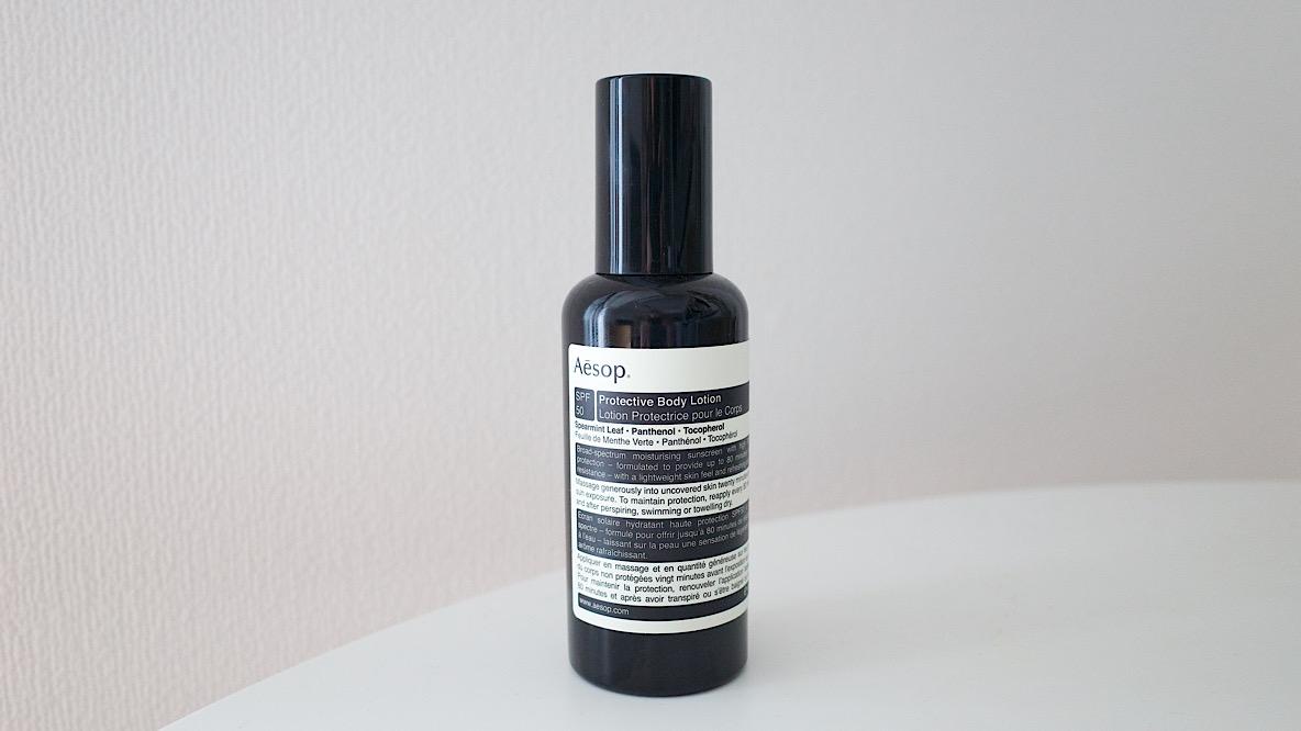 Aesopの「ボディ用日焼け止め」で保湿しながら紫外線対策。ミントの香りでむしろ塗りたくなるんだ