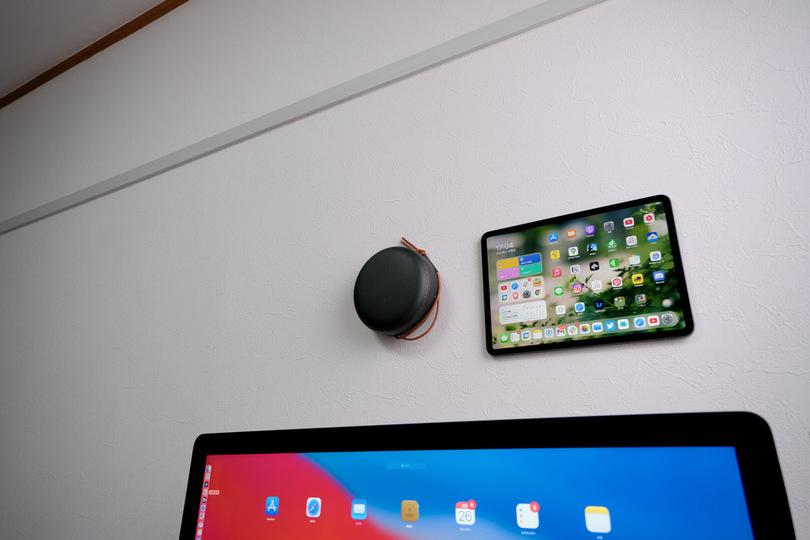 iPadを壁掛けしたいなら「魔法のテープ」がとっても楽ちんです