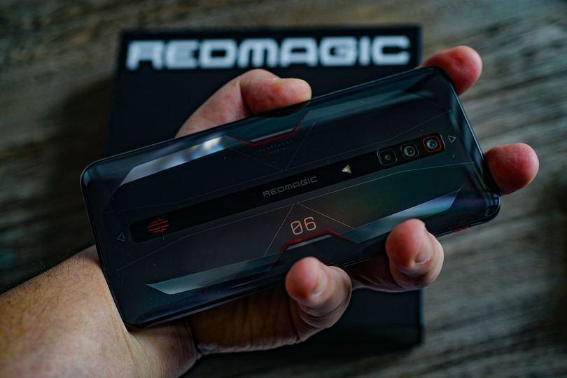 音声チャット&ゲームのマルチタスク環境を1台で構築できるスマホ「RedMagic 6」
