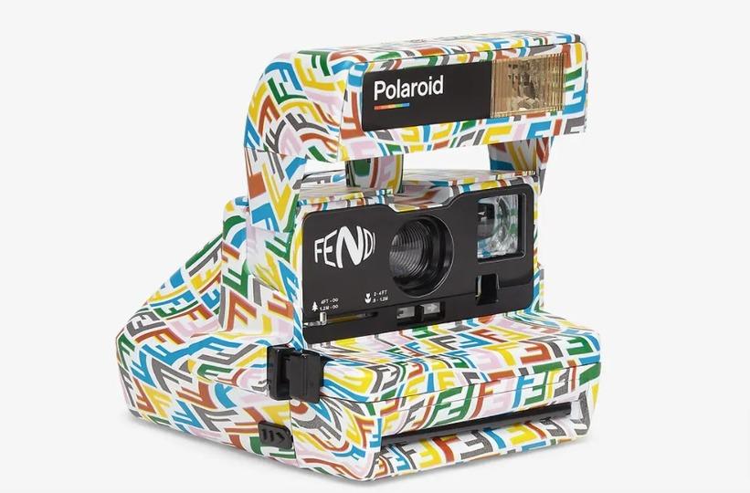 なんだかサイケデリック。ポラロイドと高級ブランドFENDIがコラボしたカメラが登場