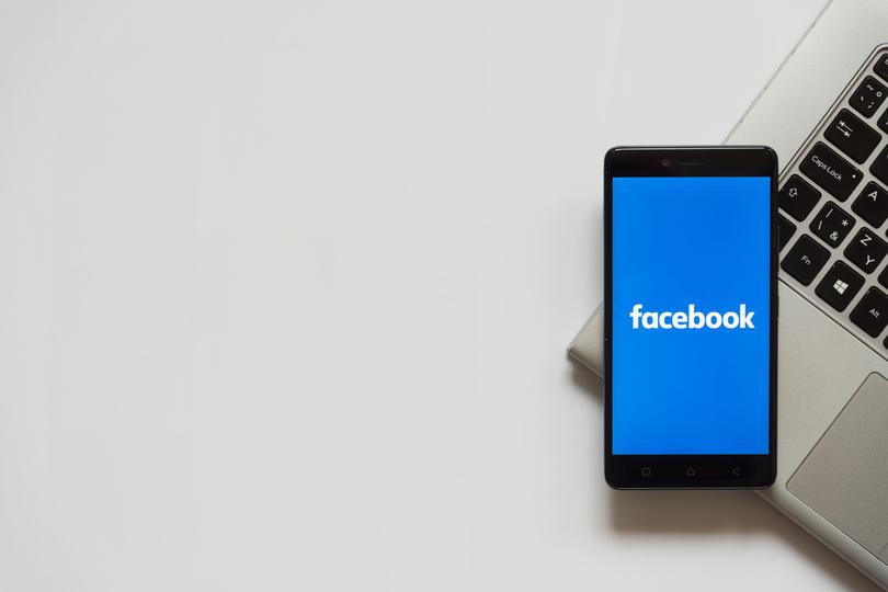 来夏リリース? Facebookがスマートウォッチを開発中という米報道(カメラ&心拍計つき…)