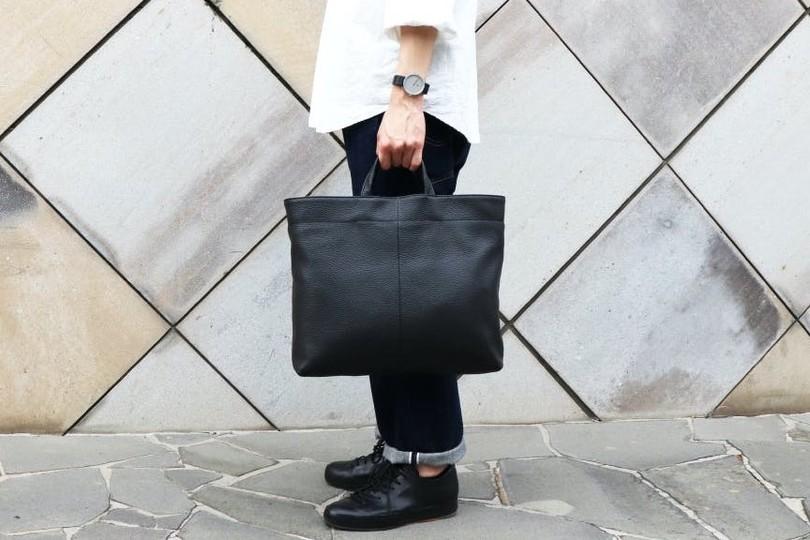"""""""日常になじむ""""シンプルでミ二マルな日本製のバッグ「KIITSU BAG」誕生"""
