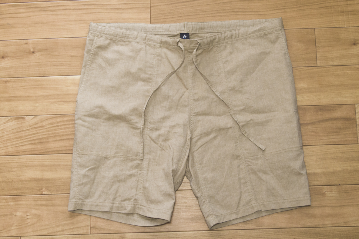 モンベルの「紙糸を使ったイージーショーツ」は、部屋着にもちょっとした外出にもイケちゃう暑い日の強い味方だよ|身軽スタイル