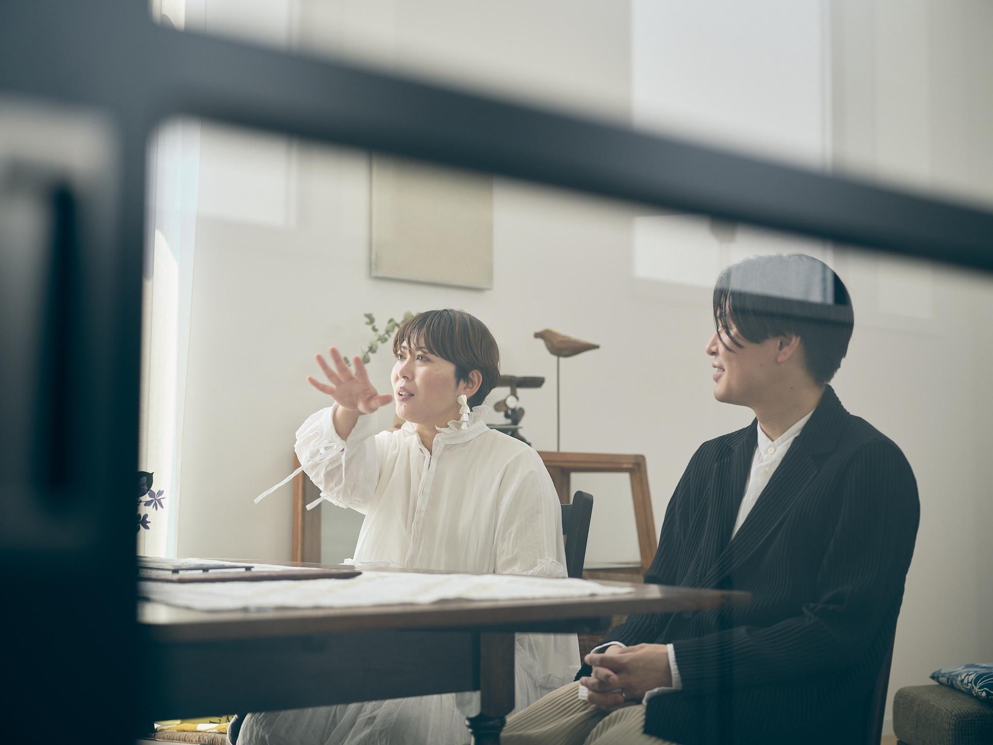 百貨店勤務のファッション好き夫妻が行き着いた、日本のプロダクトに溢れるコンパクトハウス(千葉県市川市)|みんなの部屋