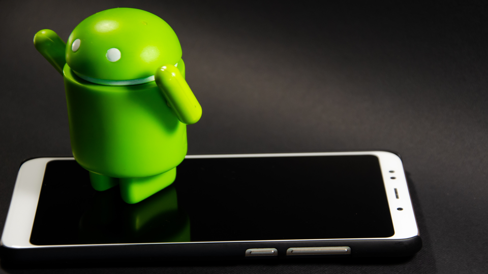 Androidスマホの容量不足を解消するには? 便利な機能ありますよ