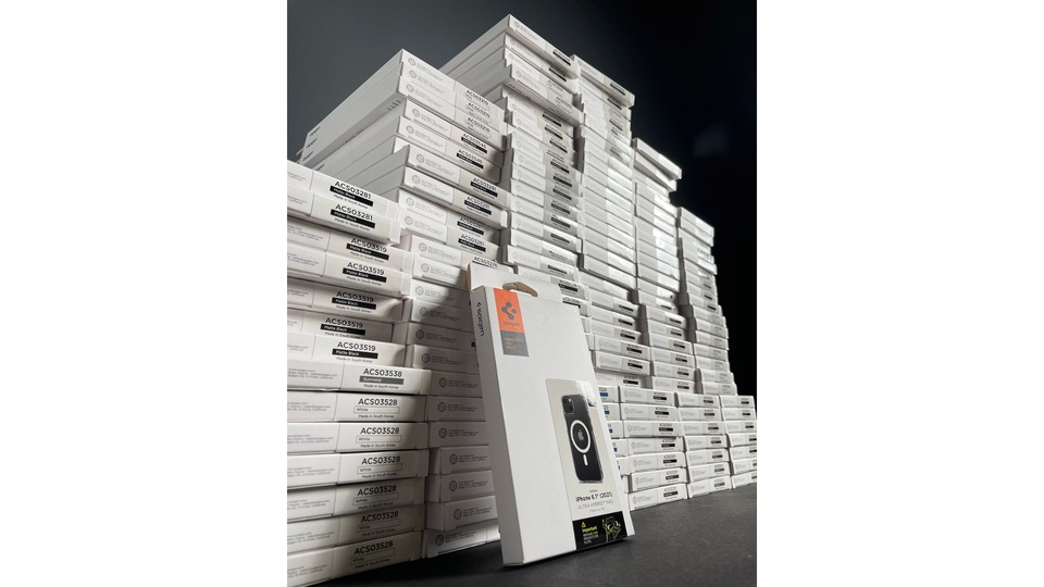 カメラ斜め配置を確認。Spigenの次期iPhoneケースがリーク