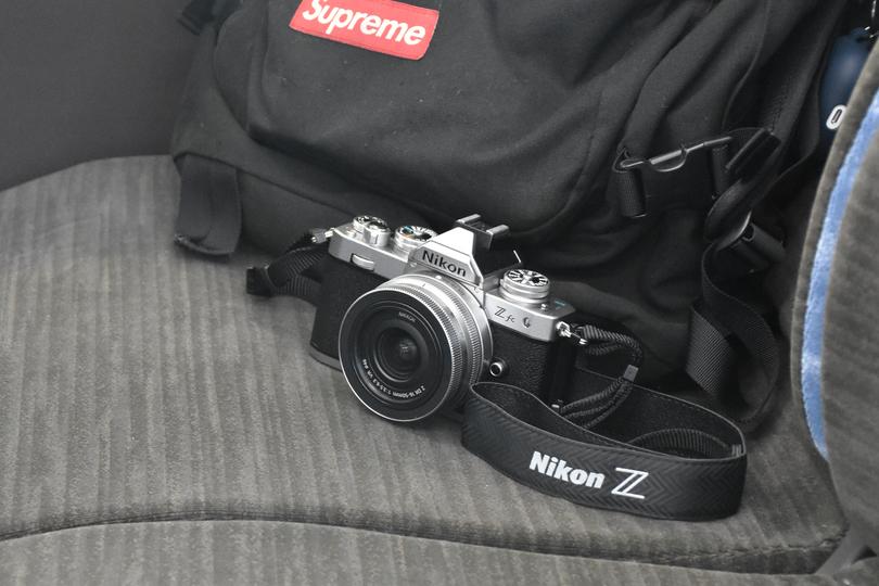 ニコンのミラーレスカメラ「Z fc」と「Z 50」、どちらにしようか悩んでいる男がじっくりZ fcを使ってみた
