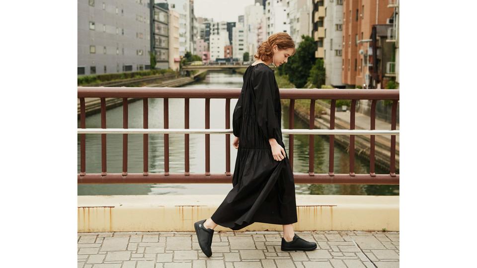 晴れた日でも履けて、雨の日も快適にすごせるシューズ3選